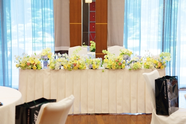 秋の装花 ホテルニューオータニ様へ 水色と黄色と、ふうせんかずらの無重力_a0042928_15153157.jpg
