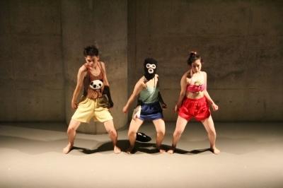 新たなダンスの見せ方を提示した近藤良平版「ダンスブリッジ」公演_d0178431_11152508.jpg