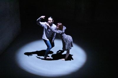 新たなダンスの見せ方を提示した近藤良平版「ダンスブリッジ」公演_d0178431_11161326.jpg