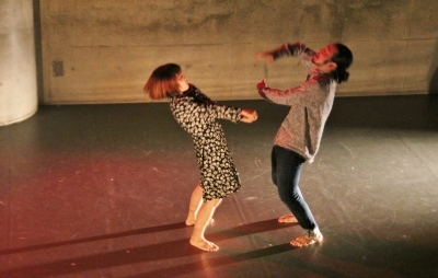 新たなダンスの見せ方を提示した近藤良平版「ダンスブリッジ」公演_d0178431_11165451.jpg