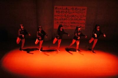 新たなダンスの見せ方を提示した近藤良平版「ダンスブリッジ」公演_d0178431_11221036.jpg