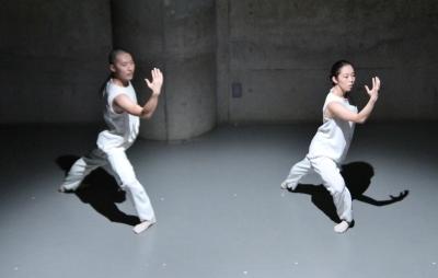 新たなダンスの見せ方を提示した近藤良平版「ダンスブリッジ」公演_d0178431_11362032.jpg