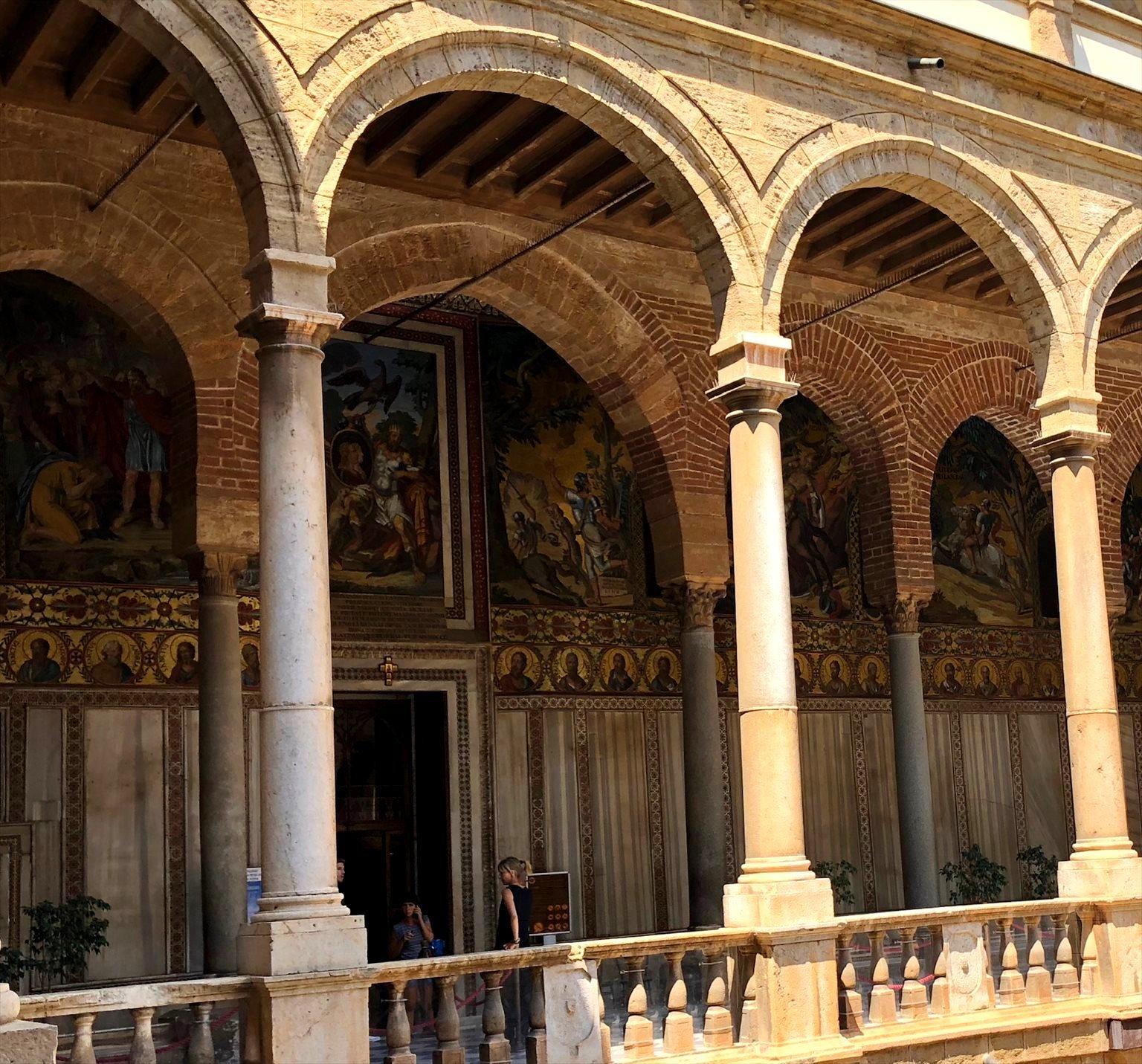 パレルモ 2  圧巻のモザイク装飾 パラティーナ礼拝堂_a0092659_23182372.jpg