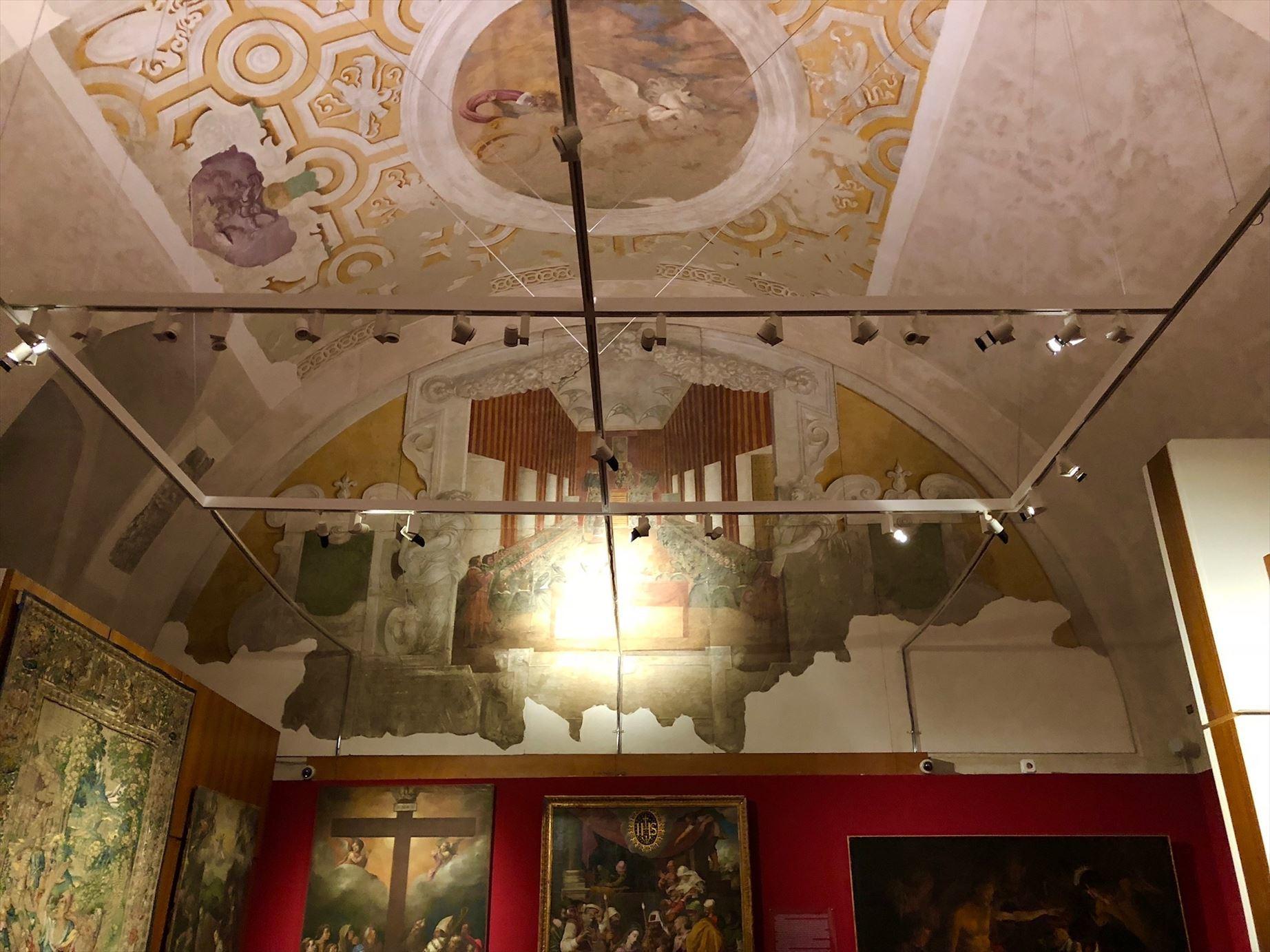 パレルモ 2  圧巻のモザイク装飾 パラティーナ礼拝堂_a0092659_23263309.jpg