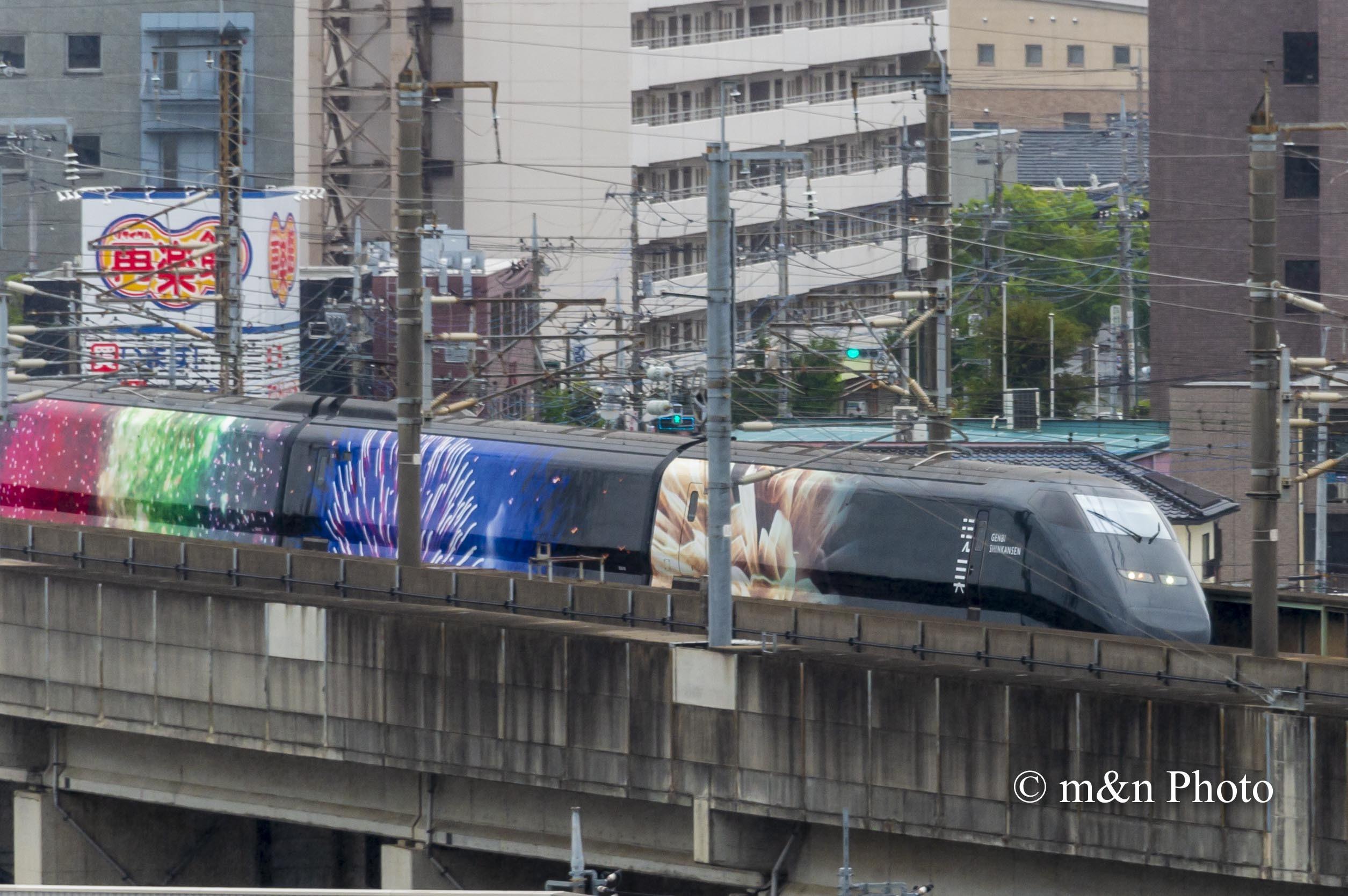 現美新幹線_e0321360_10552188.jpg