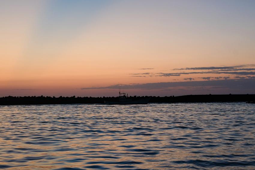 漁船の朝_e0243382_20561840.jpg