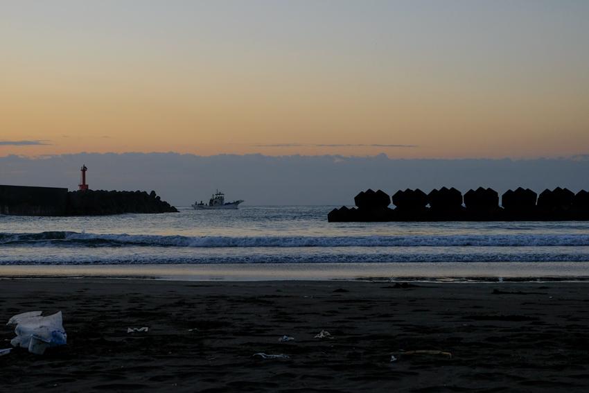 漁船の朝_e0243382_20562359.jpg