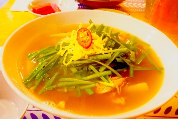ソウルの鶏出汁スープ麺、タッカルグクスを真似て。_a0223786_14225483.jpg