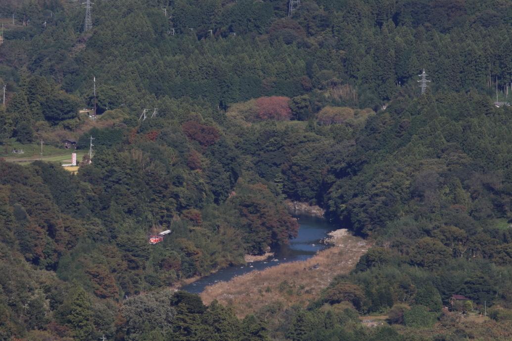 木々の隙間に渡良瀬川を望む - わたらせ渓谷鉄道・2018年秋 -_b0190710_21391514.jpg
