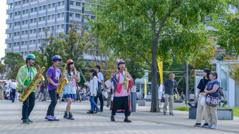 高松2018大道芸フェスタ SAXアンサンブル_d0246136_00224469.jpg