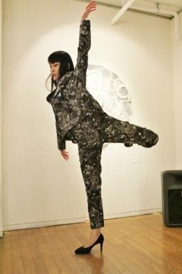続報:朝倉加代展ファッションショーのマド・ダンサーたち_d0178431_13455726.jpg