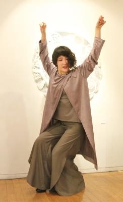 続報:朝倉加代展ファッションショーのマド・ダンサーたち_d0178431_13473570.jpg