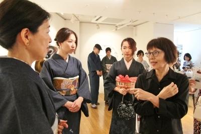 続報:朝倉加代展ファッションショーのマド・ダンサーたち_d0178431_14170582.jpg