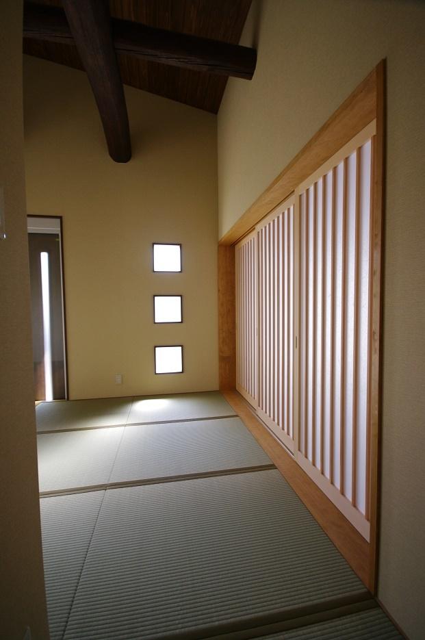 伊那市で設計事務所の家づくり  『畳敷きの和モダン漂う玄関』 _b0146238_06422405.jpg