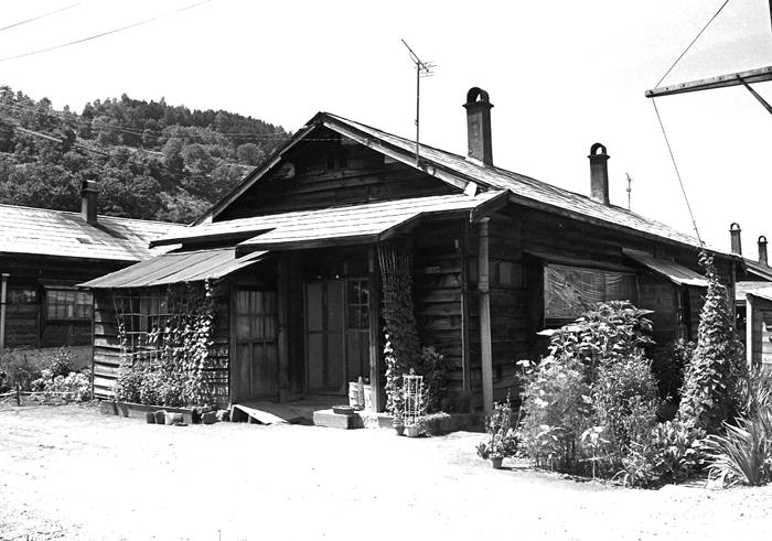 1983年に弟と訪れた故郷の炭鉱住宅_c0182775_17154972.jpg
