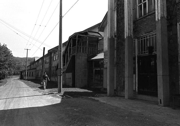 1983年に弟と訪れた故郷の炭鉱住宅_c0182775_1734284.jpg