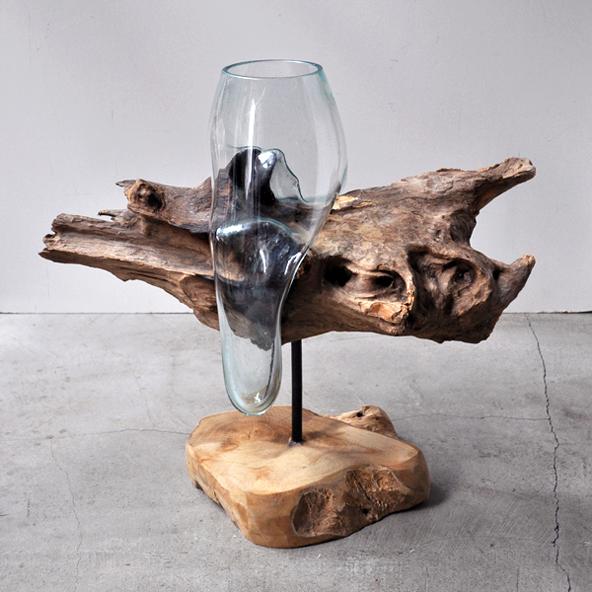 流木とリューズガラスの花器_d0193211_1447251.jpg