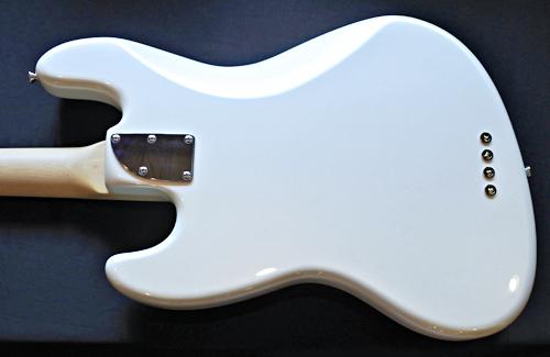 埼玉県・高瀬さんオーダーの「Modern J-Bass」が完成!!_e0053731_16295029.jpg