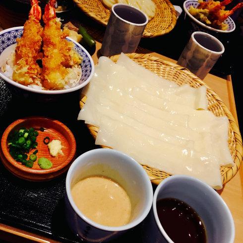 ついに念願のひもかわ(幅広うどん)を食べる!!☆銀座「花山うどん」_f0054260_15412696.jpg