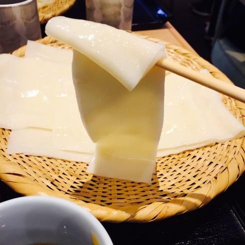 ついに念願のひもかわ(幅広うどん)を食べる!!☆銀座「花山うどん」_f0054260_15443049.jpg
