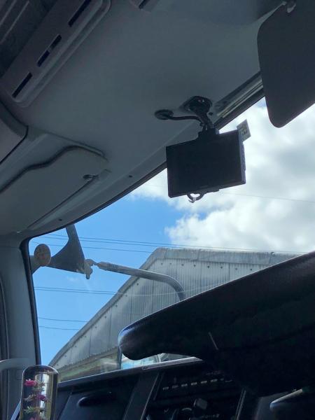 大型トラック バックカメラの取り付け_e0169210_17543291.jpg