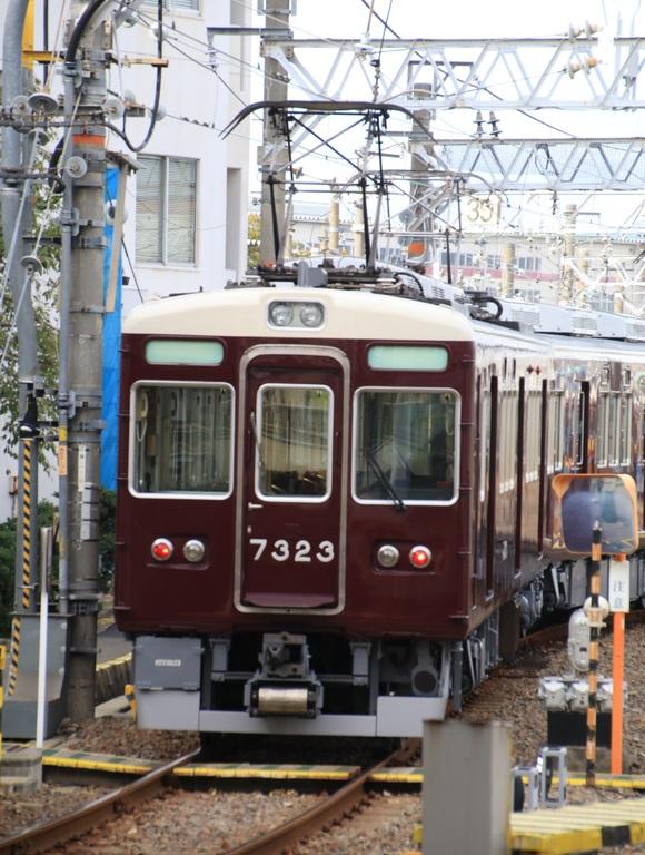 阪急7323F 定期検査明け_d0202264_77422.jpg