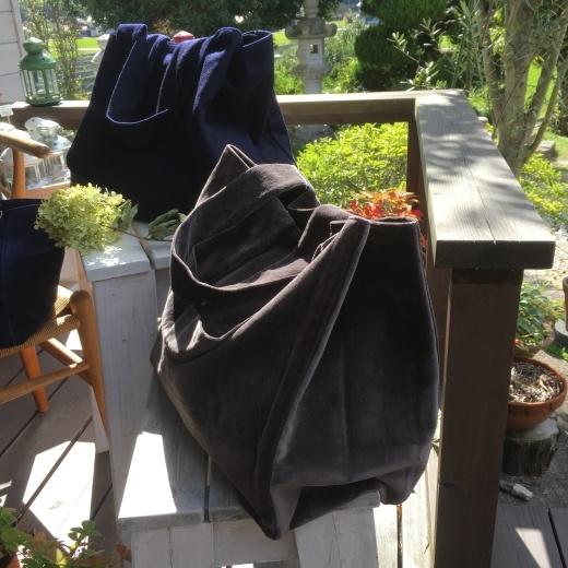 秋冬物トートバッグが入荷しています。_c0334574_20121352.jpg
