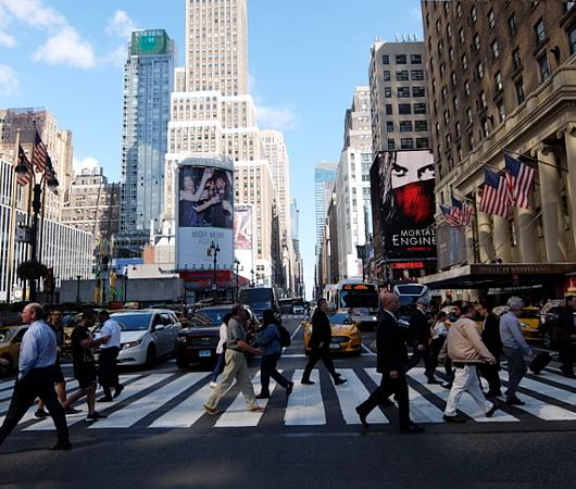NYミッドタウンのノスタルジックな街角風景_b0007805_02184900.jpg