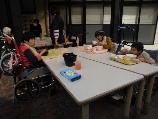 10/11 さんま焼き行事_a0154110_09281438.jpg