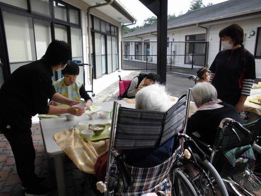 10/11 さんま焼き行事_a0154110_09282268.jpg