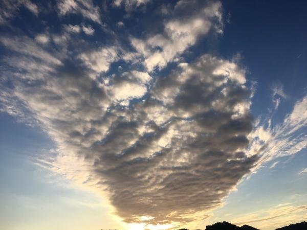 夕焼けの雲_d0134352_18085089.jpeg