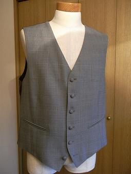 ウェディングスーツ&フォーマルブラックスーツも「岩手のスーツ」 編_c0177259_18502896.jpg