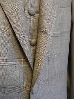 ウェディングスーツ&フォーマルブラックスーツも「岩手のスーツ」 編_c0177259_18511993.jpg