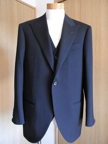 ウェディングスーツ&フォーマルブラックスーツも「岩手のスーツ」 編_c0177259_18515590.jpg