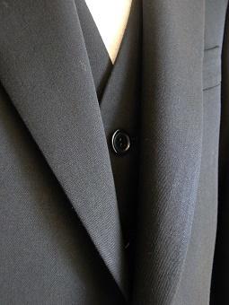 ウェディングスーツ&フォーマルブラックスーツも「岩手のスーツ」 編_c0177259_18533154.jpg