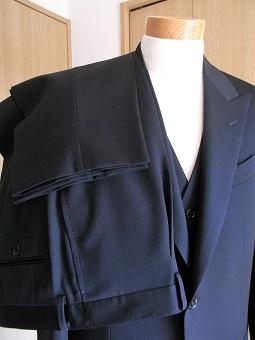 ウェディングスーツ&フォーマルブラックスーツも「岩手のスーツ」 編_c0177259_18541375.jpg
