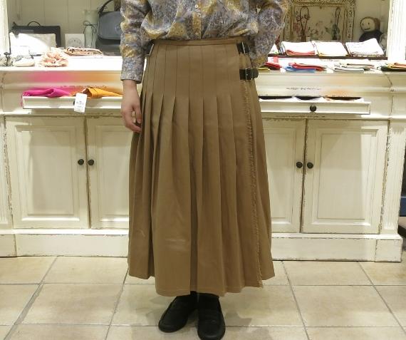 2018年 オニールオブダブリン ウール3個ベルトキルトスカートです。_c0227633_15401643.jpg
