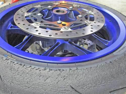 昨日はノンビ~リと切削加工からのK5サン号 YZF-R1Mをタイヤ交換♪_c0086965_17162892.jpg