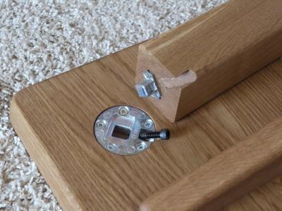 テーブルや机の脚の取り付け_c0138410_08240130.jpg