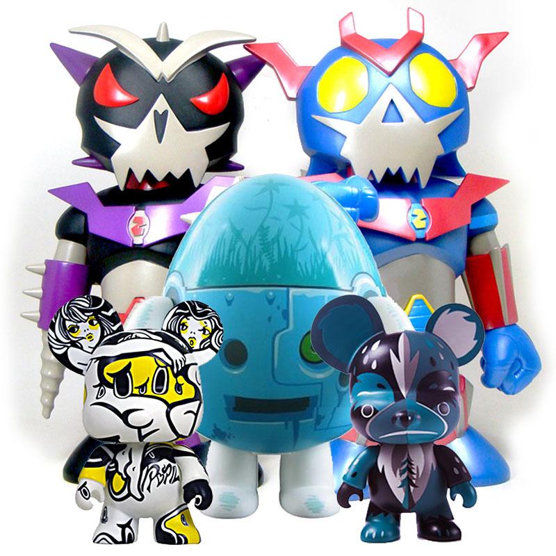 近日、Toy2Rの名作、大量入荷_a0077842_20232249.jpg