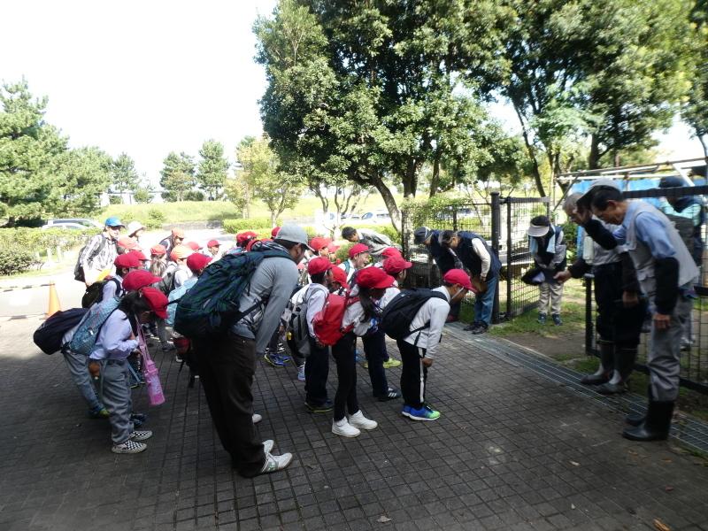 鳴滝小学校2年生遠足のサポート・・・うみべの森_c0108460_17154124.jpg