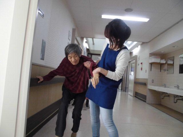 10/18 男子散髪・歩行練習_a0154110_09481140.jpg