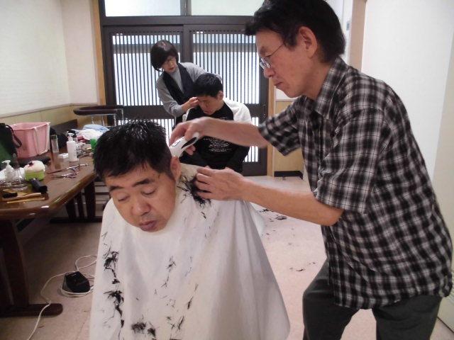 10/18 男子散髪・歩行練習_a0154110_09482871.jpg