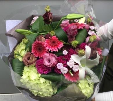 有楽町朝日ホールに花束をお届け_d0029716_19291937.jpeg
