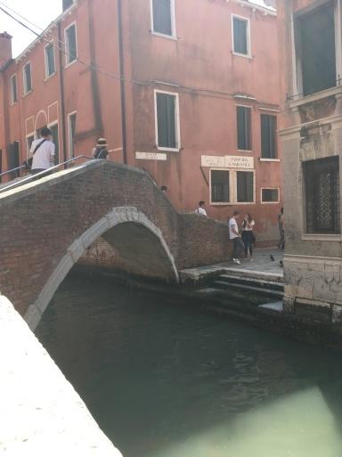 ベネチア  サンマルコ広場~コンドラ~水上タクシー_d0032156_13070259.jpg
