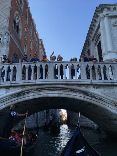ベネチア  サンマルコ広場~コンドラ~水上タクシー_d0032156_13105538.jpg