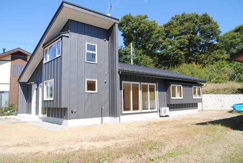 池田町SS邸完成写真1_c0218716_1435556.jpg