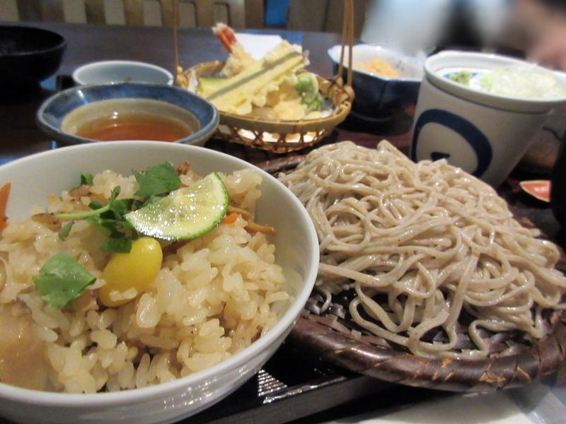 【いろはな】松茸ご飯と秋天そば_b0009849_16154756.jpg