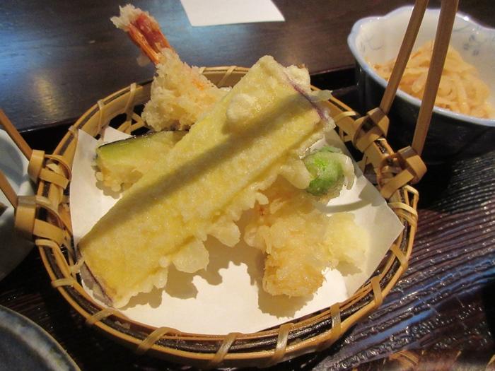 【いろはな】松茸ご飯と秋天そば_b0009849_16214258.jpg