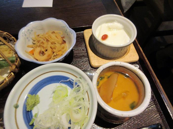 【いろはな】松茸ご飯と秋天そば_b0009849_162392.jpg